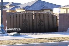 privacy driveway gate